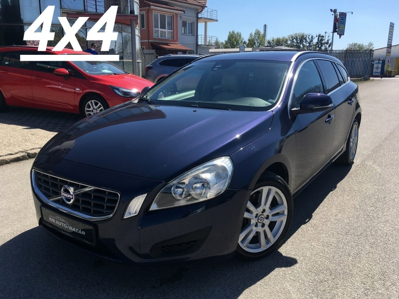 VOLVO V60 D4 2.4L MOMENTUM GEARTRONIC AWD